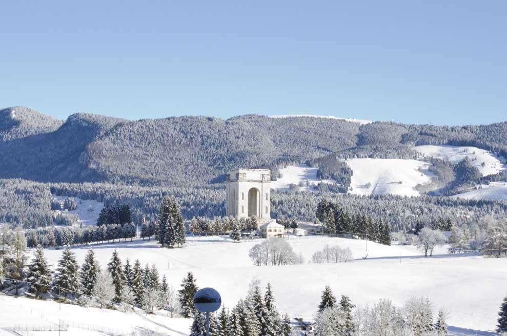 Panorama invernale Asiago 7 comuni - Sacrario militare